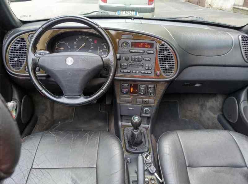 Saab 900 II Talladega Cabriolet - cockpit noble