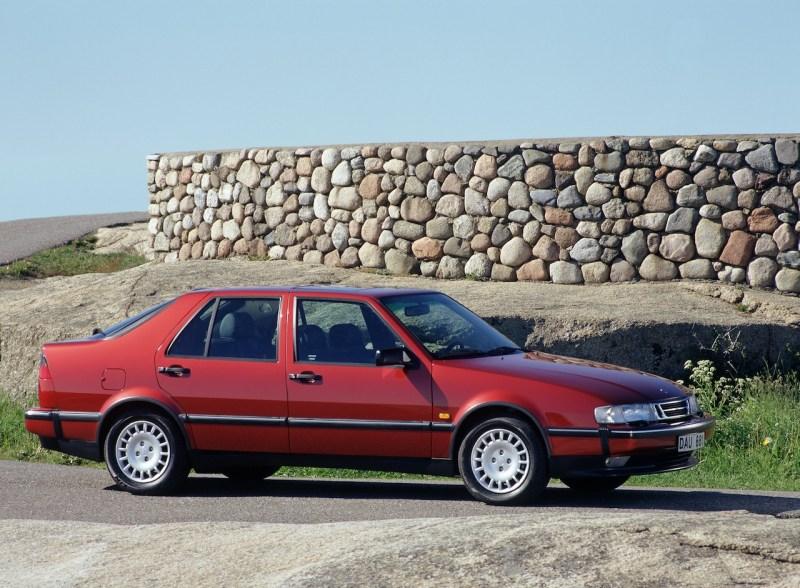 En point de mire : la Saab 9000