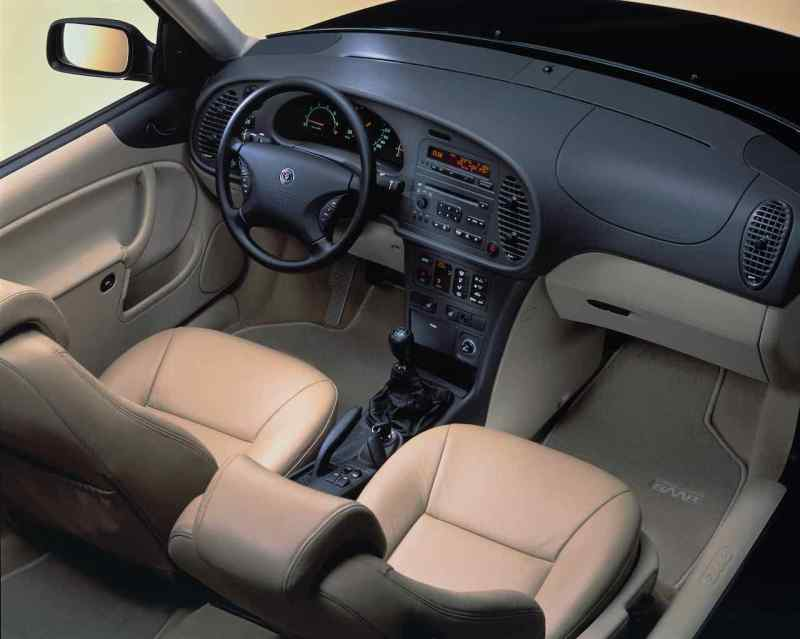 Cambio manuale sufficientemente preciso nella Saab 9-3 I.
