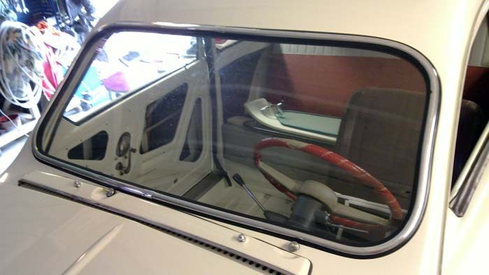 Windscreen mounted.
