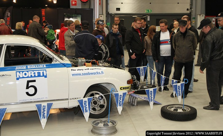 Tomi Tikanmäki's fully restored 96 rally collected a lot of people.