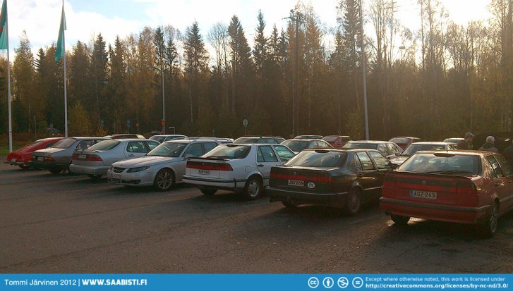 Saab Club parts market. There was actually quite a lot of people.