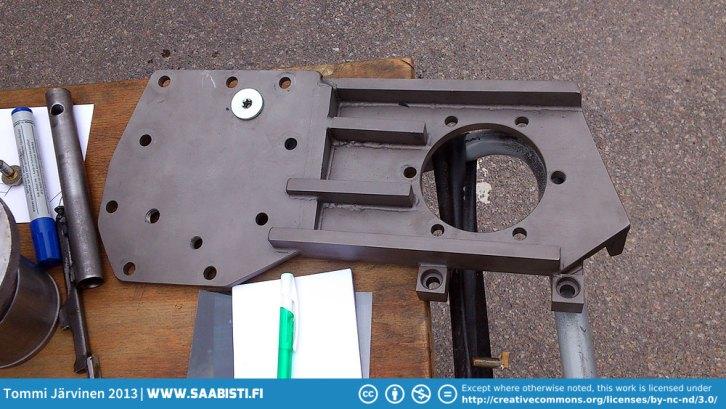 Saab 900 gearbox strengthening plate.
