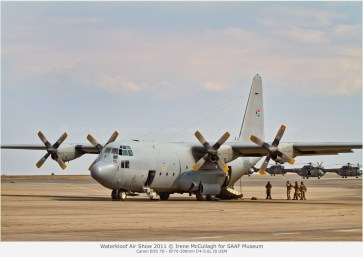 WBB_MG_9070-C-130-with-Oryxes-parked