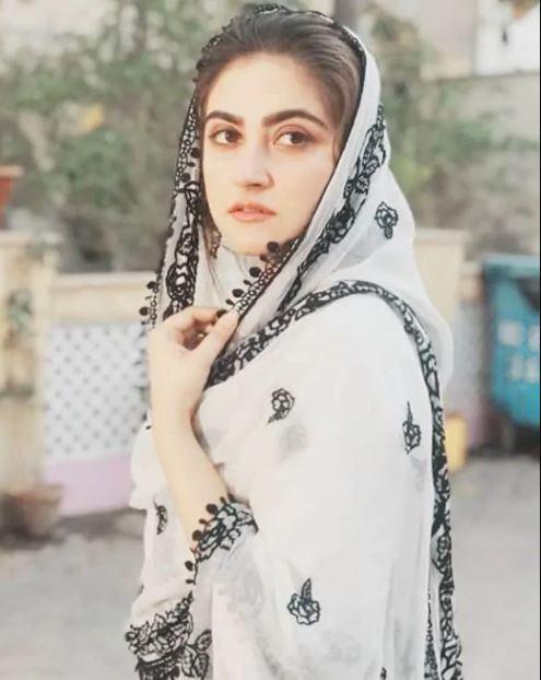 hiba bukhari as dilnasheen in geo tv drama fatoor cast