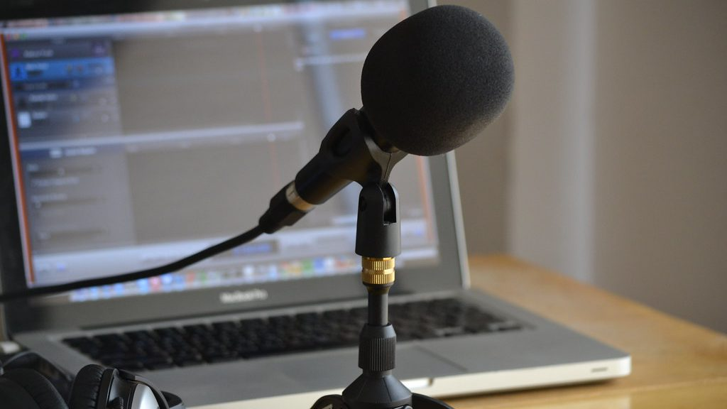 How to Start a Podcast in India - The Beginner's Guide