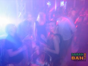 Thumping parties are extra thumping at Atmosphere Revolving Bar & Restaurant