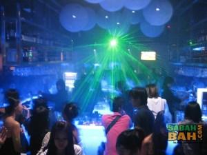 Laser lighting at Ice Bar 1Borneo