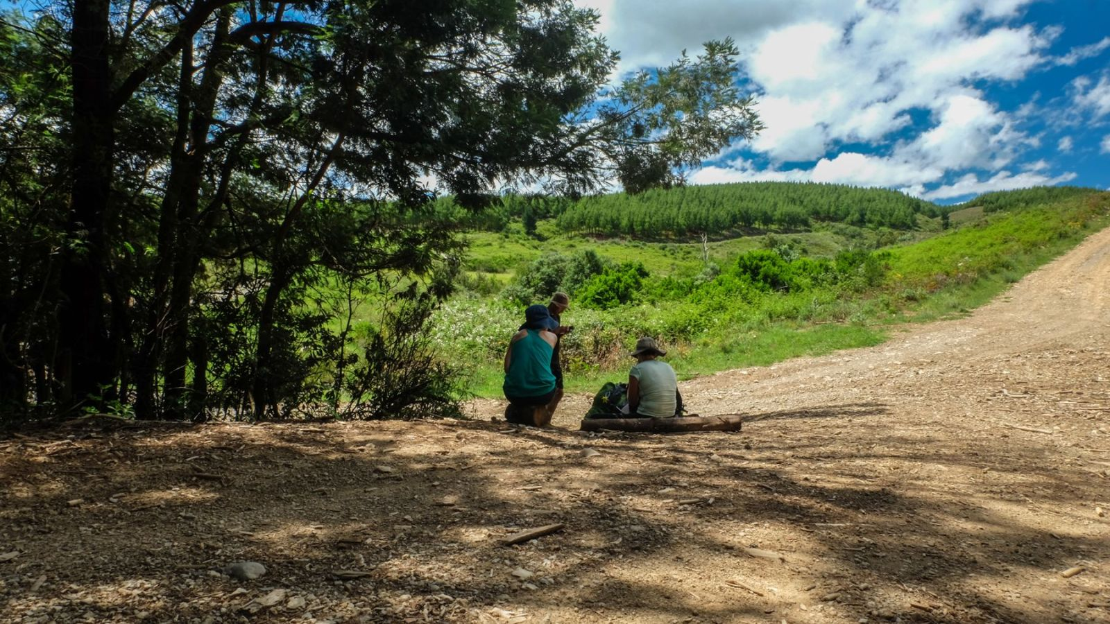 a photo of hikers resting on the amathole hiking trail.