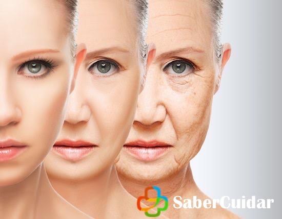 Mujer en proceso de envejecimiento y la menopausia