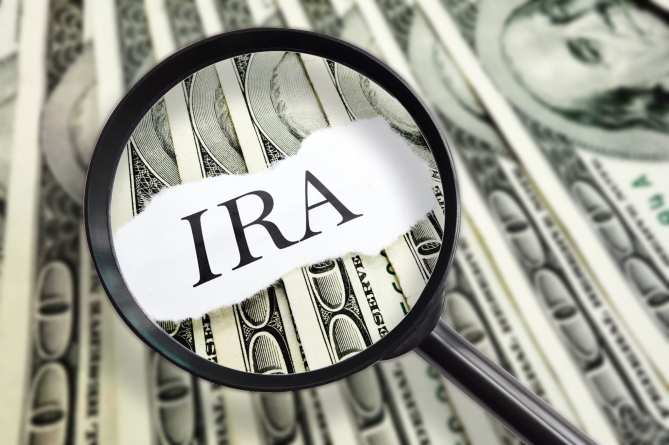 Self-Employed Defined Benefit Can Be Rolled Over to an IRA