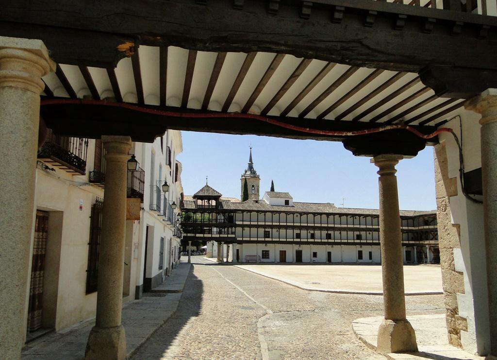 plaza-mayor-de-tembleque-autor-santiago-lopez-pastor