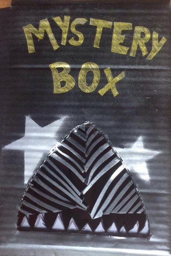 RayRunsMattyMakes mystery box lightsaber
