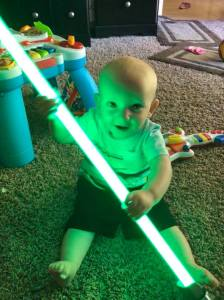 star-wars-fans-13-month-old-mesmerized-by-lightsabers-1