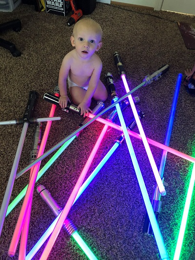 star-wars-fans-13-month-old-mesmerized-by-lightsabers-md