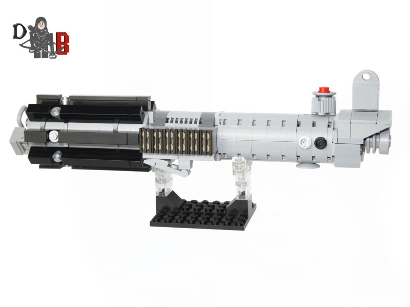 demonhunterbricks-lego-graflex-lightsaber-hilt