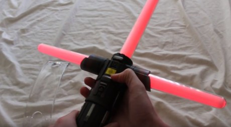 star-wars-the-black-series-kylo-ren-force-fx-lightsaber-hasbro-full-review