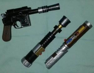 paper-lightsabers-realistic-lightsaber-blaster