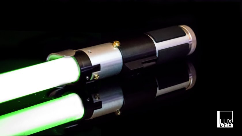 Lux Sabers Yoda lightsaber (installed)