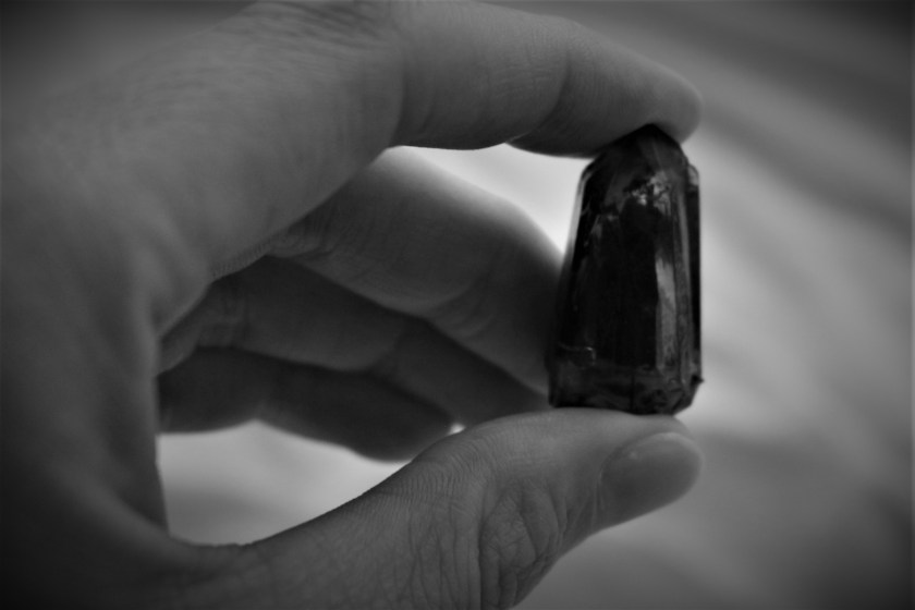 It's no secret that the mysterious black kyber crystal is the rarest of the seven kyber crystal color available at Star Wars Galaxy's Edge