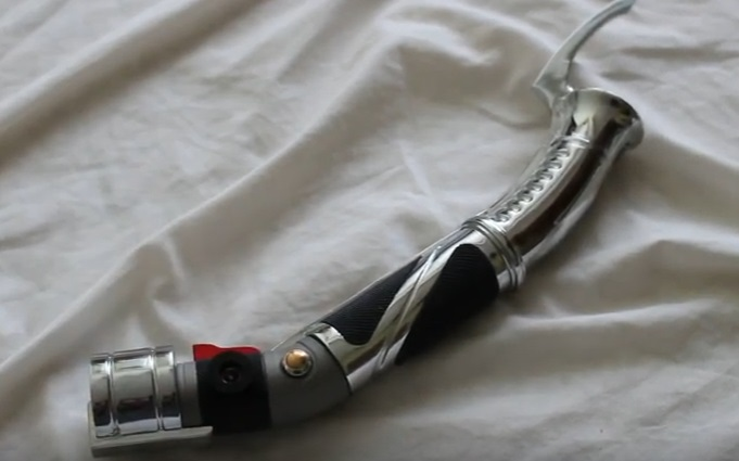 curved-hilt lightsaber