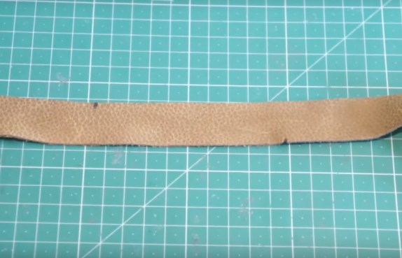 diy-lightsaber-tutorial-how-to-apply-a-leather-wrap-to-your-lightsaber-dots