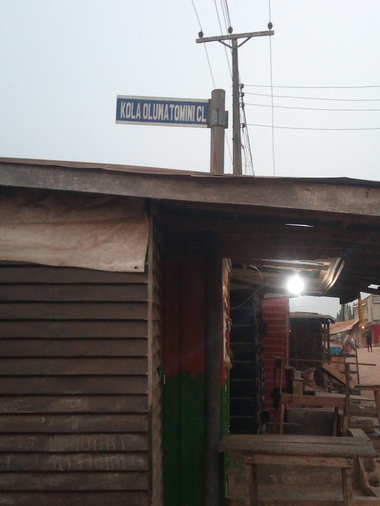 KOLA OLUWATOMINI CLOSE (IKOTUN) DESCRIPTION