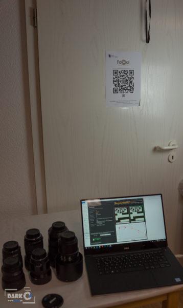 FoCal Testchart im Hintergrund