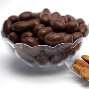 Almendra con chocolate Kg SKU 818 500px