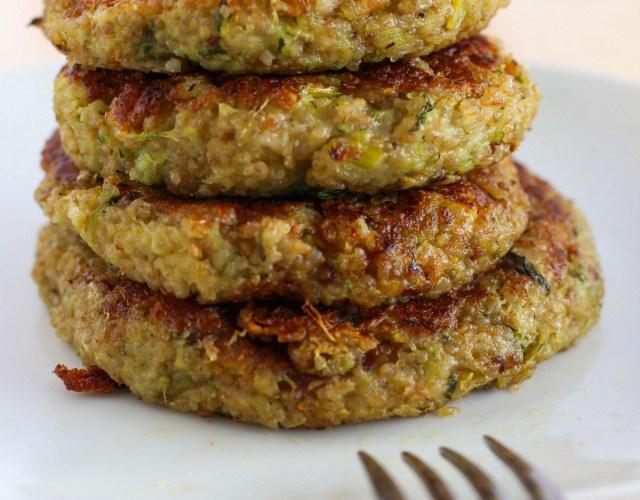 Hamburguesas de quinoa y zapallito (calabacín)