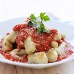 Ñoquis Caseros con Salsa de Tomate