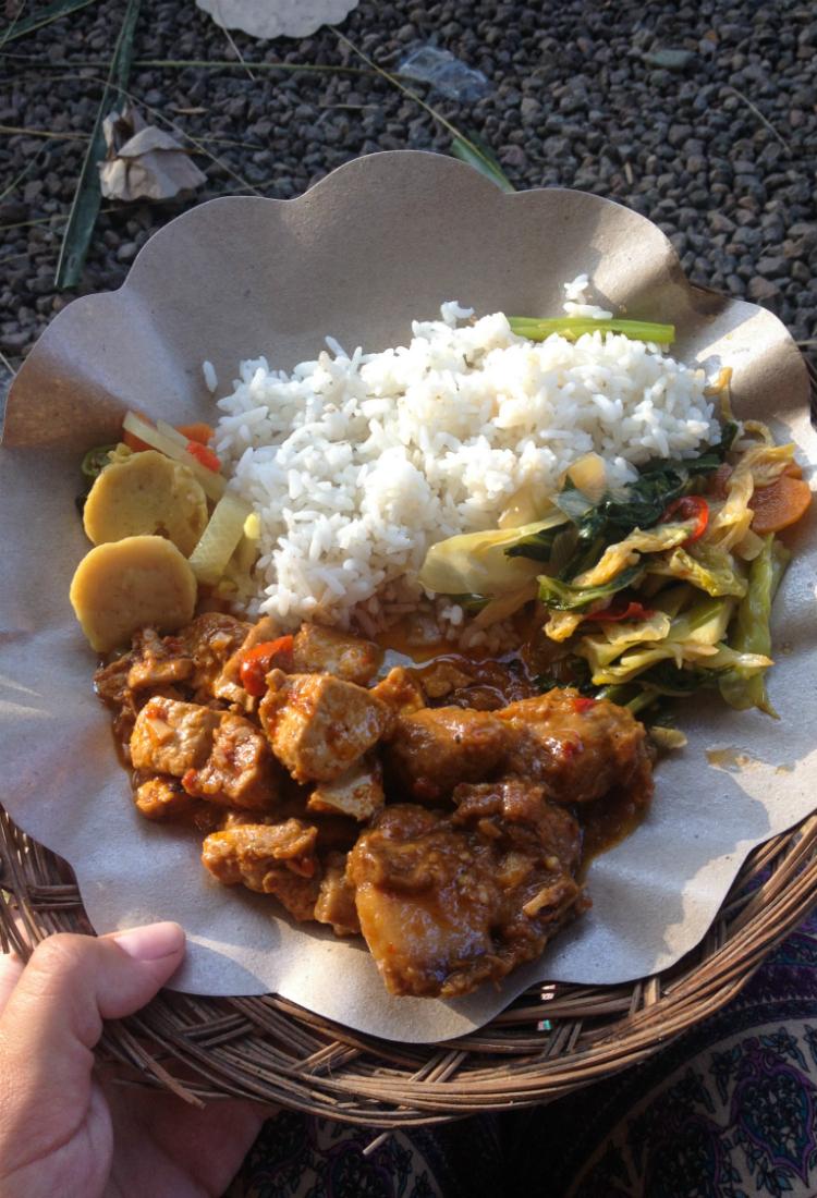 plato-tipico-indonesia