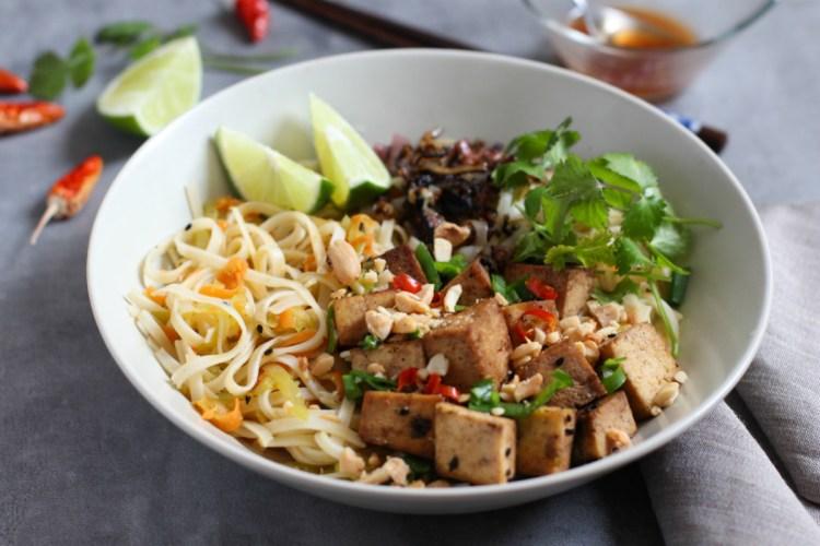 Bowl Vietnamita (noodles de arroz, tofu y verduras)