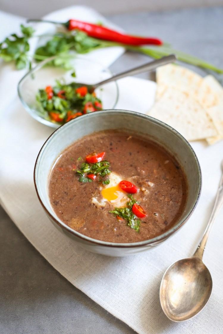sopa negra receta paso a paso