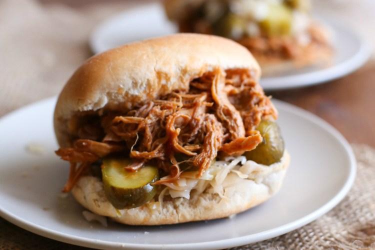 Sándwich de Pulled Pork (carne de cerdo desmenuzada)