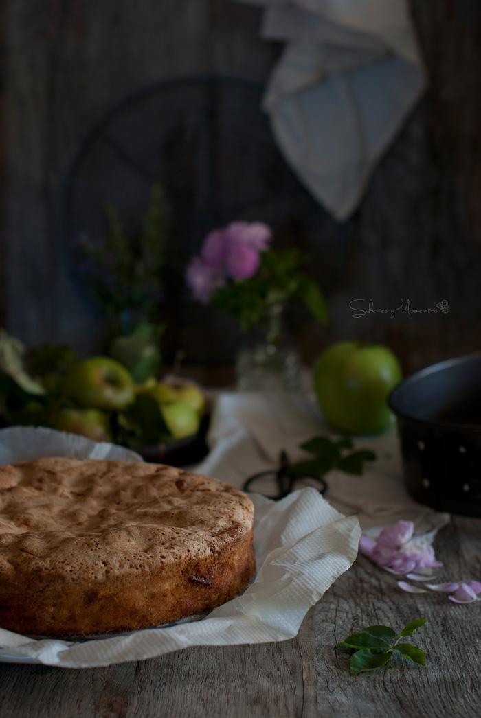 pastel-de-manzanas-salido-del-horno