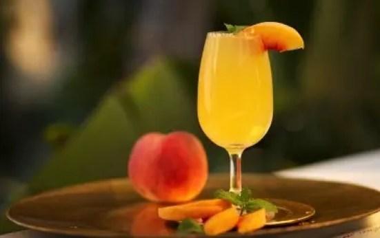 Bellini receta champán zumo melocotón
