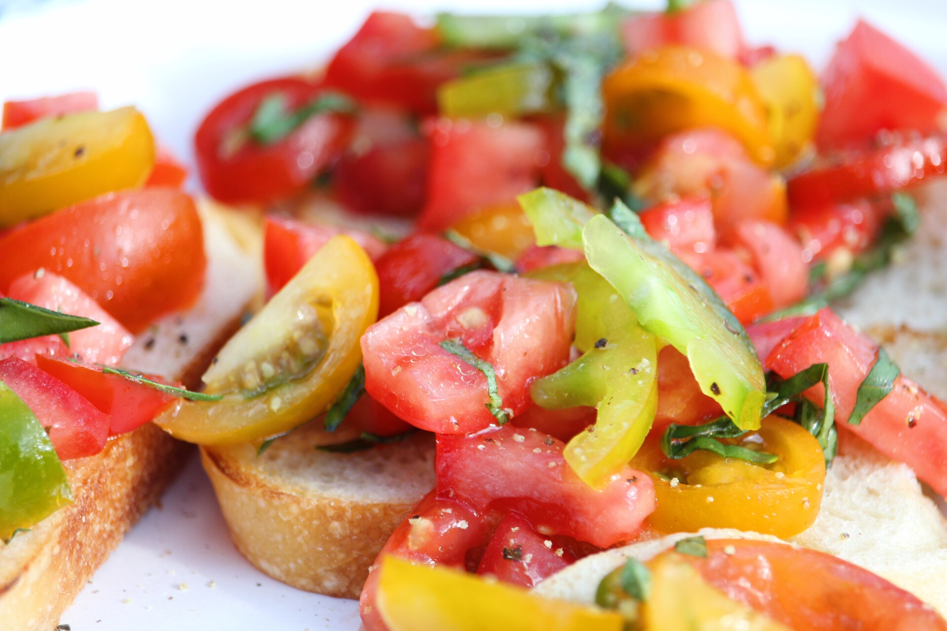 Fresh Summer Tomato Basil Bruschetta