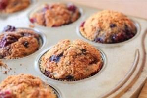 Healthy Blackberry Spelt Muffins