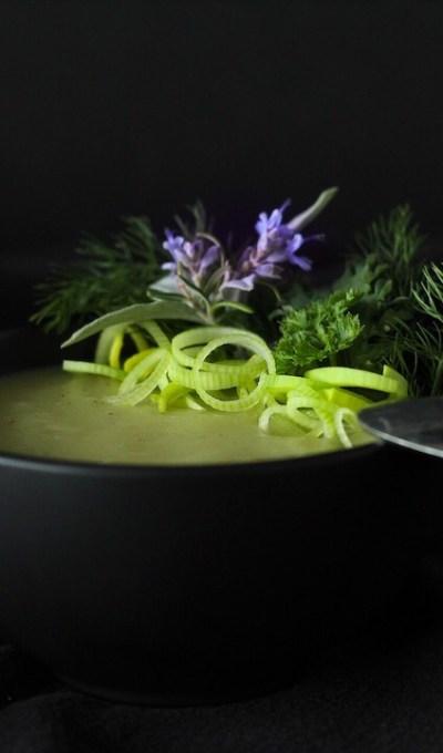 Winter Comfort-Potage Parmentier (Potato Leek Soup)