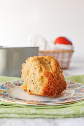 Apple Oatmeal Bundt Cake