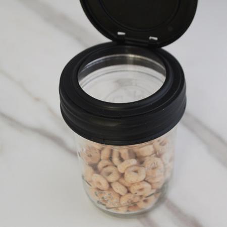 Toddler snack in mason jar - 9 Creative Ways to Organize with Mason Jars