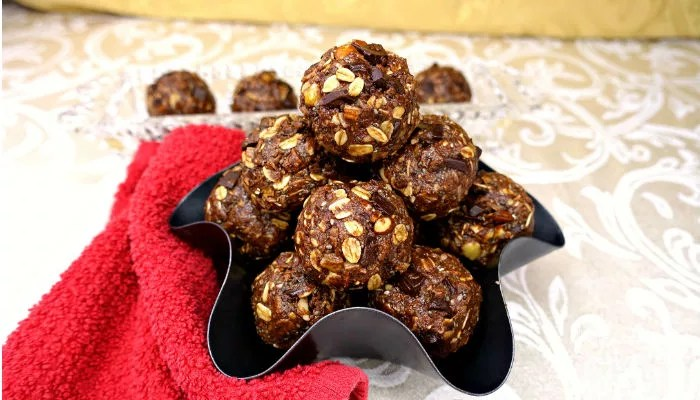 Gluten-Free and Vegan No-Bake Chocolate Chunk Almond Coconut Energy Balls