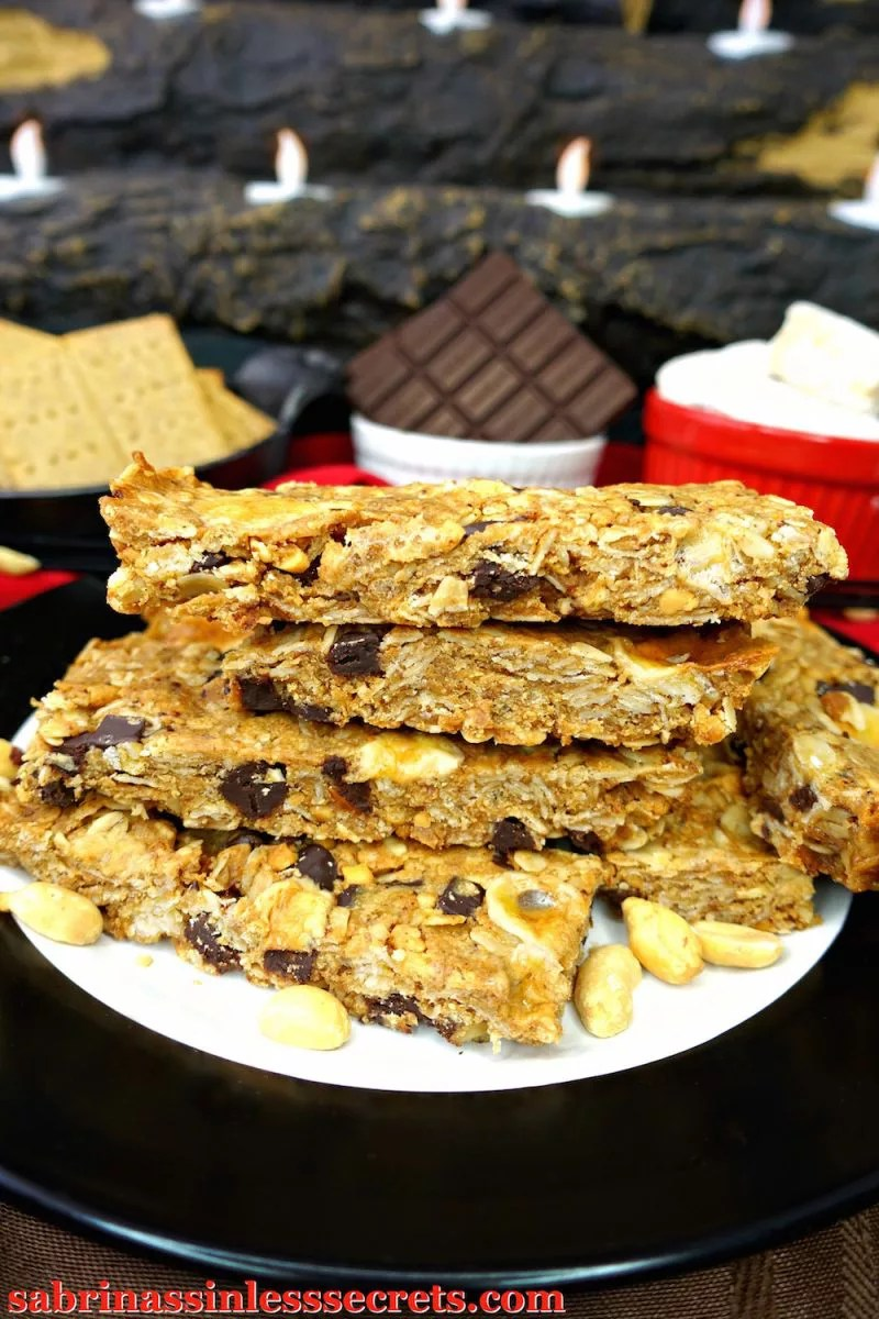Ever image what it would be like to have peanut butter merged with a s'more? What about in a sinless granola bar form?! These Peanut Butter S'mores Gluten-Free Granola Bars taste just as good as they sound! Plus, they're gluten-free, dairy-free, refined sugar-free, and clean-eating and they're even made with PALEO marshmallows!