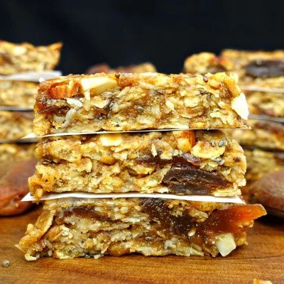 Gluten-Free and Vegan No-Bake Apricot Almond Granola Bars