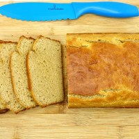 Easy Paleo Sandwich Bread {Yeast-Free!}