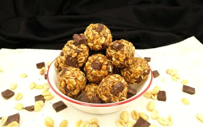 No-Bake Peanut Butter Chocolate Chunk Gluten-Free and Vegan Energy Balls