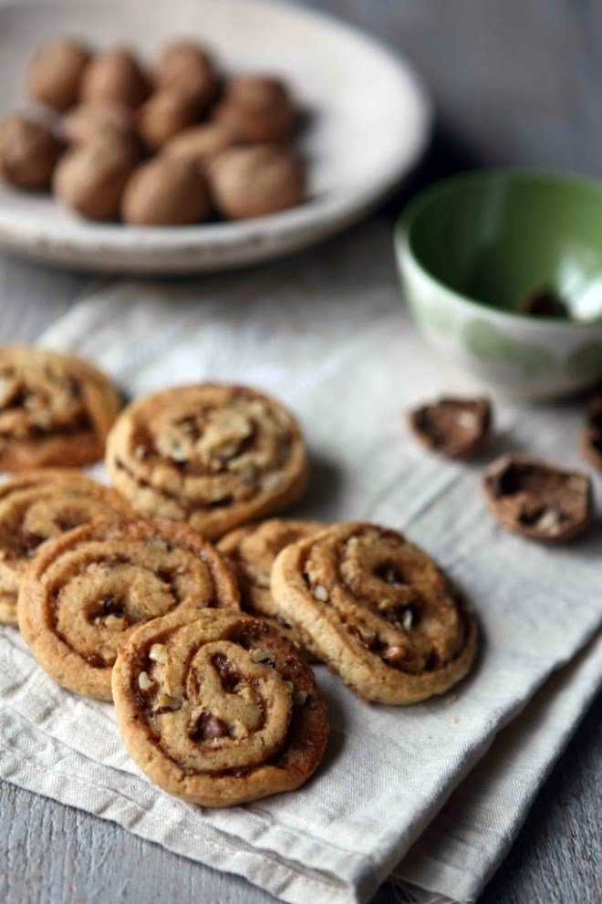 walnut honey cookies