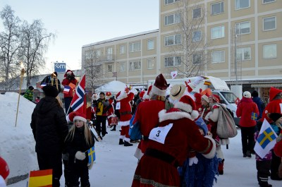 Santa's greeting the children