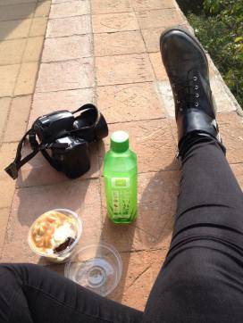 snack. Salted caramel cupcake and aloe vera drink